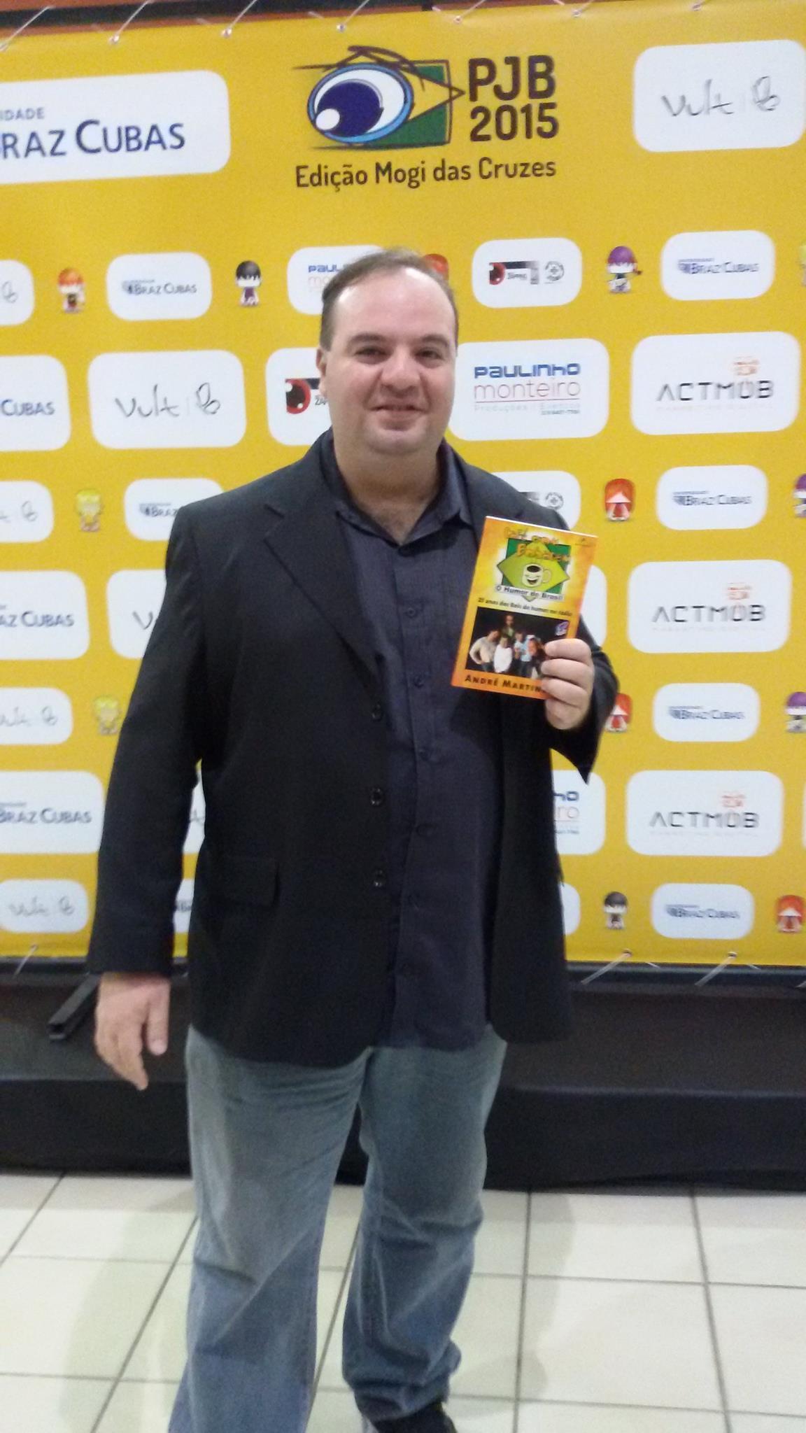 Foto ilustrando o recebimento do quinto premio
